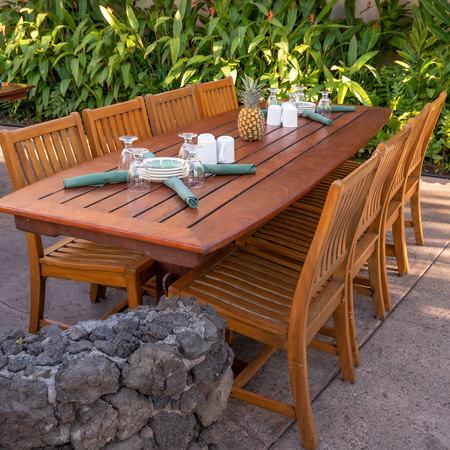 Old Lahaina Luau modern table seating